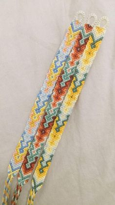Summer Bracelets, Cute Bracelets, Handmade Bracelets, String Friendship Bracelets, Diy Friendship Bracelets Patterns, String Bracelet Patterns, Thread Bracelets, Macrame Bracelets, Friendship Bracelets
