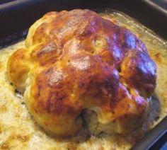 Stuffed cauliflower with cheese topping - recipe Vegetarian Pizza Recipe, Pizza Recipes, Vegan Recipes, Dinner Recipes, Cauliflower Salad, Roasted Cauliflower, Cauliflower Recipes, Cauliflower Cheese, Baked Shrimp Recipes