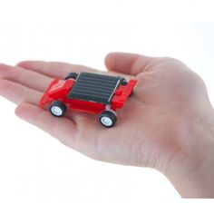 Fun for kids? The World's Smallest Solar Powered Miniature Racing Car Kit World's Smallest, Miniature Cars, Kit Cars, Consumer Products, Small World, Solar Lights, Solar Power, F1, Cool Kids