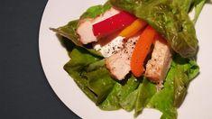 Diese tollen Salat-Wraps kommen ohne kohlenhydratreichen Teig aus, da hier frische, knackige Zutaten direkt in Kopfsalat eingewickelt werden.