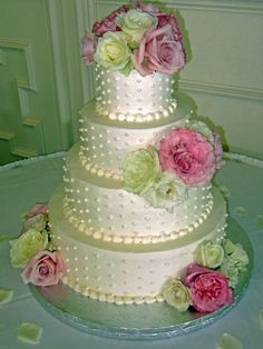 Four Fabulous Wedding Cakes for Beginners