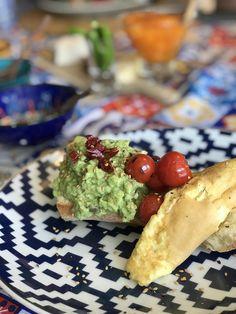 Perfect avocado plate. @healthyfoodbreak @breakfast @avocado @avocadotoast @egg @eggplate @healrhybreakfast