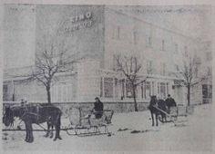 Rok 1963 - widok na kino Kosmos i kawiarnię Kolorowa. Strona południowa Starego Rynku.
