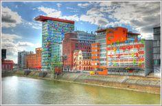 Der Medienhafen Düsseldorf mit den Flossys. HDR Foto hochauflösend.--  http://www.düsseldorf-panorama.de