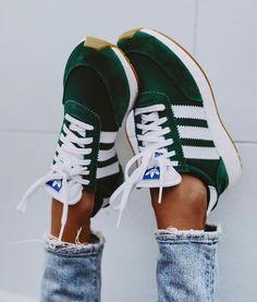 """quality design 24d33 086ac BCN Street Style on Instagram  """"Comienza la cuenta atrás, este ha sido el  post que más os ha gustado este año 2018. Zapatillas Adidas Ref.    CG6020-5923."""