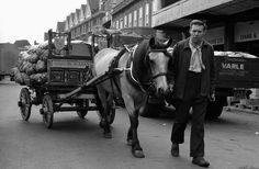 Chris Steele-Perkins. London. Covent Garden vegetable market. 1974. Horse Cart, Covent Garden, Carriage House, Great Britain, Street Photography, Past, Arch, Horses, London