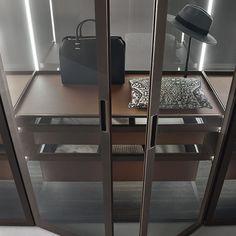 rimadesio cover wardrobe #inloopkast #interieur #interieurdesign #interior #wonen #storage #kast #glas #interieurinspiratie #design #wardrobe #kledingkast  #design #interiordesign #design #rimadesio www.noctum.nl