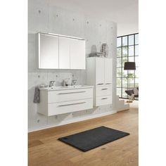 Badezimmer von xora in stilvollen eichefarben mit for Badezimmer xora