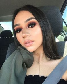 It comes as no surprise for us today that teenagers and even very young girls are starting to wear make-up. Makeup Goals, Love Makeup, Makeup Inspo, Makeup Inspiration, Makeup Tips, Makeup Style, Makeup Ideas, Makeup Designs, Perfect Makeup