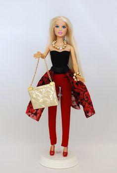 Aufwendig handgenähtes Outfit für Barbie Puppen.  - Druckknopfverschließung - Robust und waschbar mit 30° - ohne Puppe, ohne Schuhe  Tierfreier Nichtraucherhaushalt. Schau Dir auch meine...