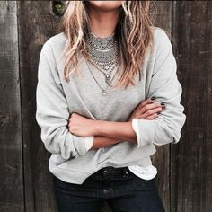 look-inverno-2016-moda-tendencia-moletom-com-maxi-colar-acessórios