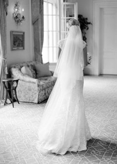Photography: Jose Villa Photography - josevillaphoto.com Wedding Dress: Monique Lhuillier - www.moniquelhuillier.com   Read More on SMP: http://www.stylemepretty.com/2015/08/21/elegant-neutral-hillsborough-wedding/