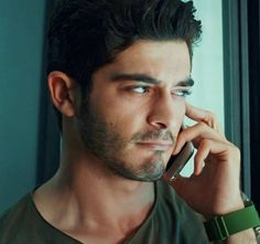 Wish u were calling mee😅😅😅😅😋😋😋💕💕💕💕 Turkish Fashion, Turkish Beauty, Murat And Hayat Pics, Most Handsome Actors, Trendy Mens Fashion, Cute Love Stories, Lovely Eyes, Actrices Hollywood, Famous Stars