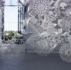 Check out MePas, the spectacular decorative stainless steel screens by Caino Design. They're quite captivating and highly original. These screens have many applications, from room dividers to curtains or...