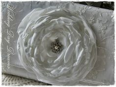 Seidenblüte von WEDDING DAY DREAMS auf DaWanda.com