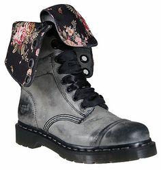 Dr. Martens Women's Triumph 1914 W Boot Style: DMR12107002