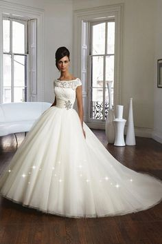 Elegant Lace & Tulle Bateau Neckline Natural Waistline Ball Gown Wedding Dress