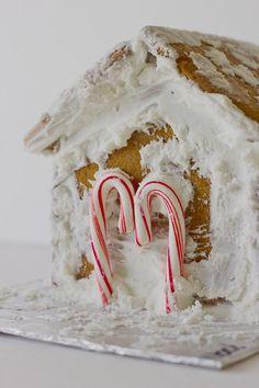 #jasminereynero #gingerbreadhouse #christmas #december