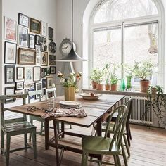 Nu säljer Plura sitt kök!  Mäklare Carina Larsson @skandiamaklarna_kungsholmen foto @kronfoto adress Parkgatan 10 #scandinavianhomes
