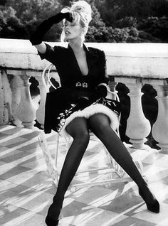British Vogue Editorial October 1989 Claudia Schiffer Photo by Herb Ritts