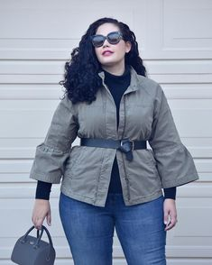 Blog Update 👉🏼 See how I styled this utility jacket 2 ways over on #girlwithcurves (Outfit details are in the post - direct link in bio) #1item2Ways #gwcTips