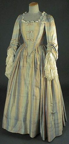 Le costume feminin de 1660 à 1715