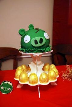 How to Throw an Angry Birds-Themed Birthday Party | GeekMom | Wired.com - I would love this!! Lol