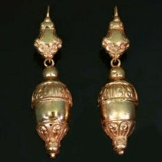 Victorian 18kt red gold dangle earrings, acorn motifs