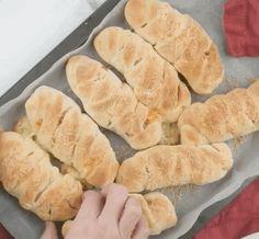 Простые и вкусные блюда: Сосиски в тесте с сыром Hot Dog Buns, Hot Dogs, Bread, Cooking, Food, Kitchen, Eten, Bakeries, Meals