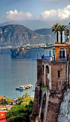 Sorrento, Italy - This picture actually does the town proud