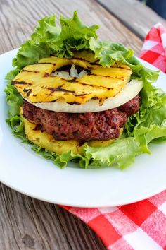 Grilled Pineapple Burger #paleo #lunch #recipes http://greatist.com/eat/paleo-lunch-recipes