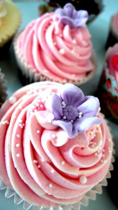 Swirls and Flowers by Love Laura Lane, via Flickr