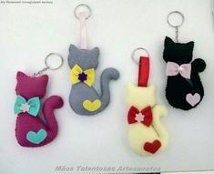 Free Pattern - scroll far down Felt Christmas Ornaments, Christmas Crafts, Felt Keychain, Sewing Projects, Craft Projects, Diy And Crafts, Arts And Crafts, Felt Cat, Felt Patterns