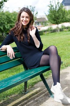 Pantyhose Fashion, Pantyhose Outfits, Black Pantyhose, Fashion Tights, Tights Outfit, Black Tights, Nylons, Opaque Tights, Sexy Stockings