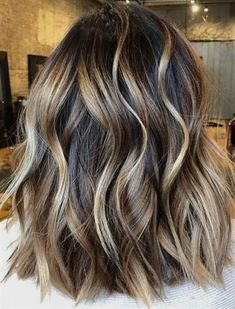 Fresh ideas of natural ombre balayage hair color trends for women to sport in Browse here to see which ombre and balayage hair colors is best for you in year We've provided here some best styles of ombre hair colors to get cute and trendy look. Brown Ombre Hair, Brown Blonde Hair, Ombre Hair Color, Hair Color Balayage, Cool Hair Color, Natural Ombre Hair, Purple Hair, Haircolor, Blonde Honey