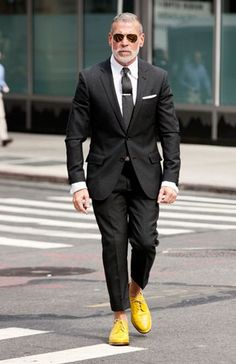 Nick Wooster , Men's Fashion Director, Bergdorf Goodman and Neiman Marcus Nick Wooster, Sharp Dressed Man, Well Dressed, Fashion Advisor, Style Masculin, La Mode Masculine, Yellow Shoes, Yellow Dress, Colorful Shoes