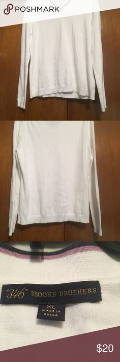 346 Brooks Brothers XL V Neck Long Sleeve Sweater Women's Brooks Brothers White V Neck Long Sleeve Sweater with Navy and Purple Lined at the Neck . Used. No stains or rips. Brooks Brothers Sweaters V-Necks