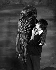 Bolaji Badejo, lacteur qui joue lalien dans Alien alien bolaji 528x660 cinema 2 bonus