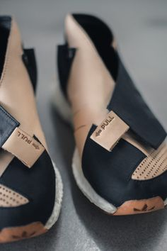 ConceptKicks X TheShoeSurgeon Winner on Behance New Sneakers, Sneakers Fashion, Fashion Shoes, Mens Fashion, Me Too Shoes, Men's Shoes, Shoe Boots, Shoes Men, Sports Footwear