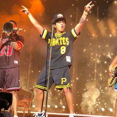 Bruno Mars Bruno Mars Style, Gorgeous Men, Pirates, Sexy Men, Celebrities, Amor, Celebs, Musica, Life