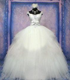 Wedding Dress, Luxurious Wedding Dress, Crystal Wedding Dress,#BridalDresses #WeddingGowns #Wedding #WeddingDresses