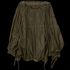 UNIONMADE - Monitaly - Parachute Poncho in Olive