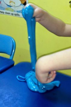 Release tension, develop fine motor skills and encourage creativity with this bioputty.