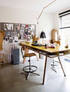 Insekt desk +WORK (yellow)