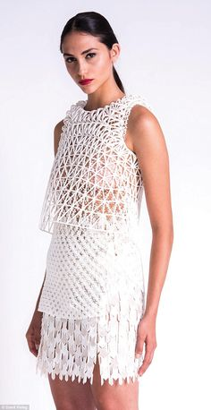 Danit Peleg creates sci-fi clothing collection with printer 3d Fashion, Fashion Prints, 3d Printed Fashion, Fashion 2015, Impression 3d, Diy 3d Drucker, Moda 3d, 3d Printed Dress, 3d Models