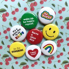 Pinback button 25mm set of 4 Cartoon Sewing badges Quote