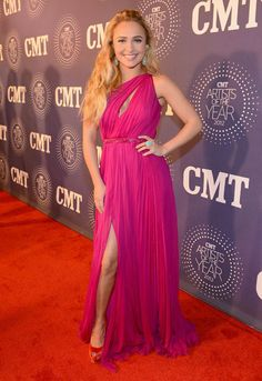 Co-host Hayden Panettiere looks gorgeous on the red carpet at the 2012 CMT Artists of the Year. See the show this Saturday at 10/9c: https://www.facebook.com/CMTartistsoftheyear #CMTAOTY