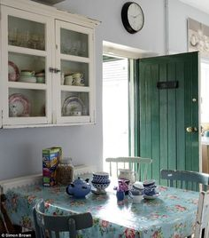 zomerhuis Nice and vintage kitchen