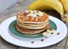 Clătite cu banane – rețeta de pancakes cu banane Cake Cookies, Pancakes, Food And Drink, Healthy Eating, Cooking Recipes, Vegan, Breakfast, Sweet, Easy