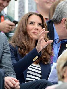 Kate throwing a sic'em!